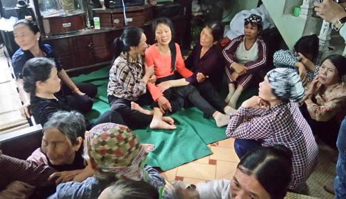 Gia đình và hàng xóm chưa hết bàng hoàng trước vụ việc đau lòng