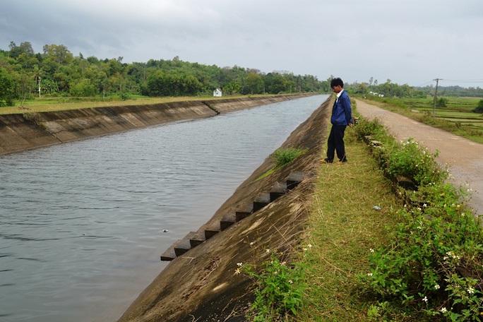 Nam sinh chết nghi do đuối nước trong lúc tắm tại kênh Phú Ninh
