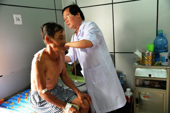 Ông Trương Văn Thái đang được điều trị tại bệnh viện
