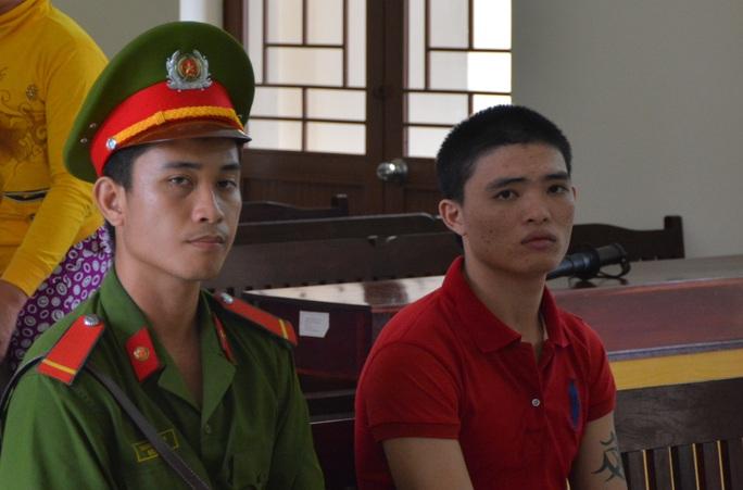 Bị cáo bị Lương Thái Bảo tại tòa