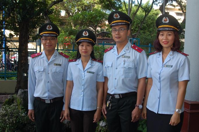 Kể từ ngày 15-8 lực lượng Thanh tra sở Xây dựng TP sẽ mặc đồng phục mới.
