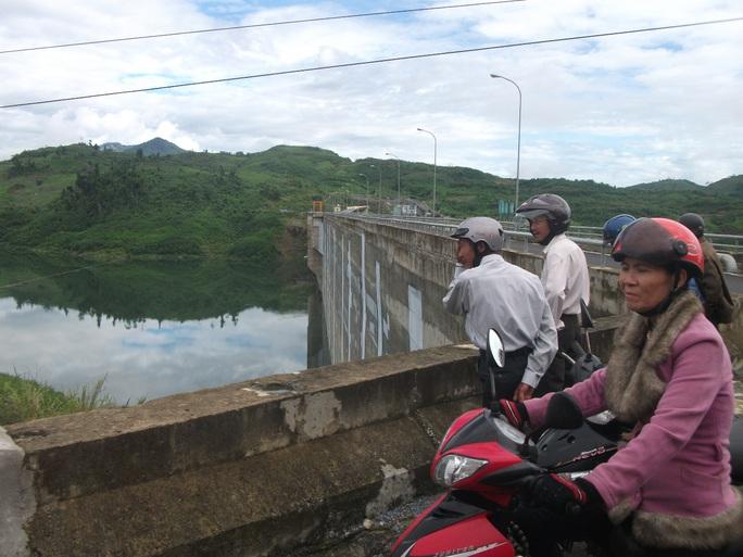 Hồ thủy điện Sông Tranh 2, nơi xảy ra vụ lật ghe khiến 2 vợ chồng gặp nạn