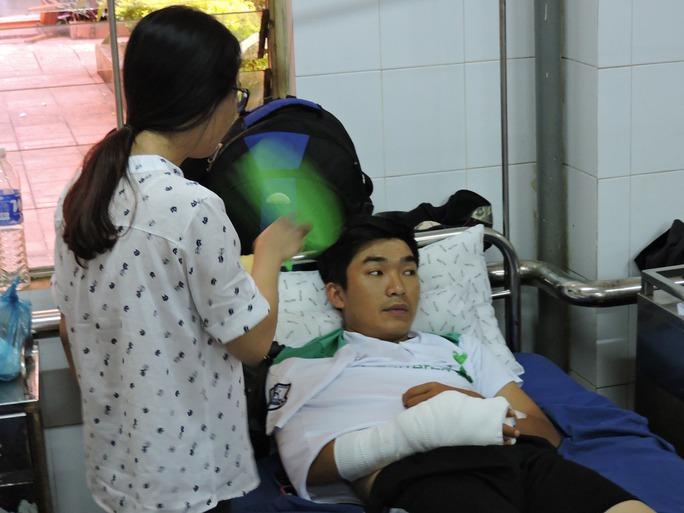 Thiếu úy Phạm Tiến Dũng bị thương tích 21%