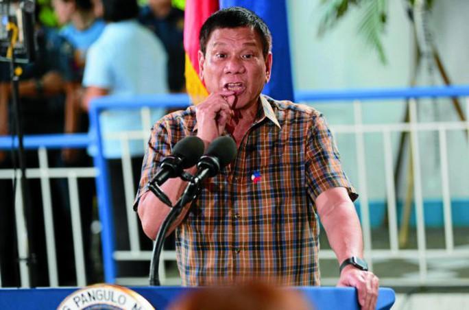 Tổng thống Rodrigo Duterte thưởng hơn 43.000 USD cho những ai bắt được các thành viên Cảnh sát Quốc gia Philippines (PNP) bao che hoạt động buôn bán ma túy. Ảnh: inquirer