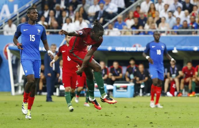 Thì tiền đạo Eder bất ngờ tỏa sáng với bàn thắng quý như vàng giúp Bồ Đào Nha đánh bại chủ nhà Pháp