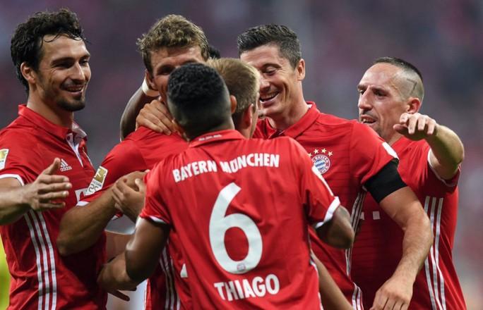 Bayern Munich thể hiện sức mạnh đáng sợ ở Bundesliga