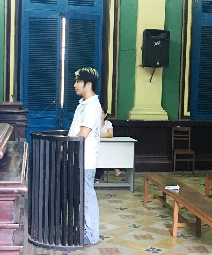 Bị cáo Nguyễn Vương Quốc tại tòa