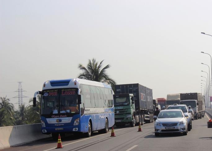 Sự cố khiến giao thông trên đường cao tốc bị ùn ứ