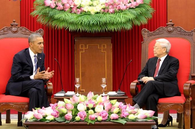 Tổng thống Obama trao đổi với Tổng Bí thư trong Trụ sở Trung ương Đảng - Ảnh: VOV