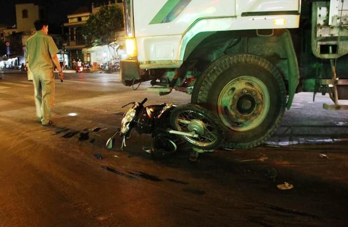 Hiện trường vụ tai nạn khiến người đàn ông tử vong tại chỗ