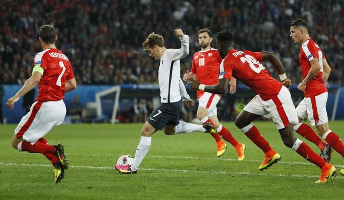 Một cơ hội ghi bàn bị Antoine Griezmann bỏ lỡ