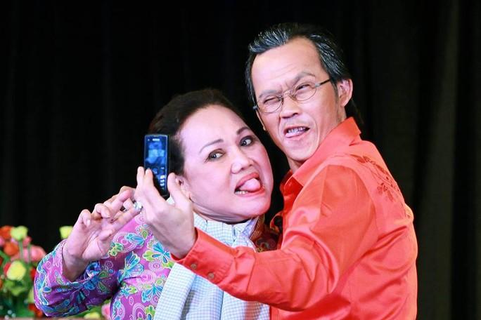 NSND Ngọc Giàu và NSƯT Hoài Linh