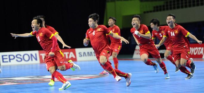 Niềm vui của các cầu thủ futsal Việt Nam khi lần đầu tham dự World Cup