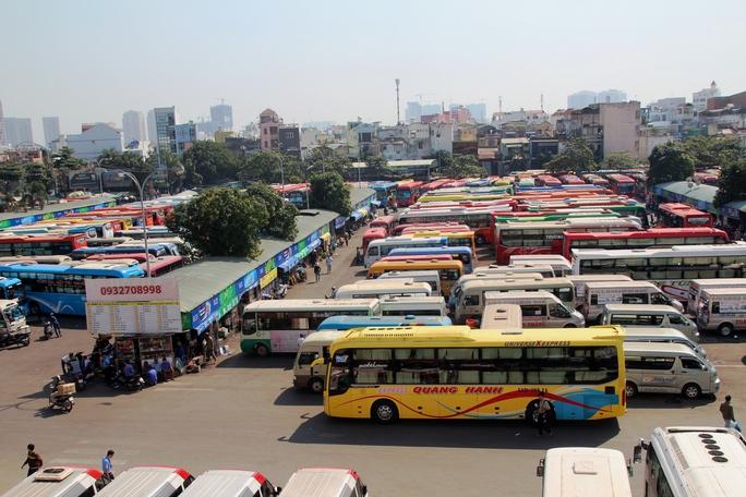 Bến xe Miền Đông cho biết trong dịp lễ, lượng xe của các các doanh nghiệp vận tải tại bến đủ phục vụ nhu cầu đi lại của người dân nên dự kiến những doanh nghiệp này sẽ không tăng giá vé nhằm bù chi phí chiều xe chạy rỗng