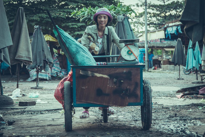 Thu Trang vào vai người mẹ thiểu năng