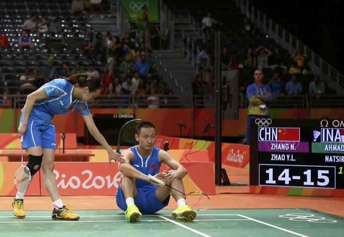 Trước đó đôi nam nữ vô địch Olympic 2012 Zhang Nan – Zhao Yunlei cũng dừng bước ở bán kết