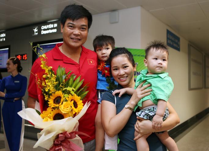 HLV Trương Quốc Bảo và gia đình
