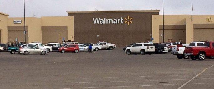 Siêu thị Walmart nơi xảy ra vụ bắt giữ con tin. Ảnh: KVII