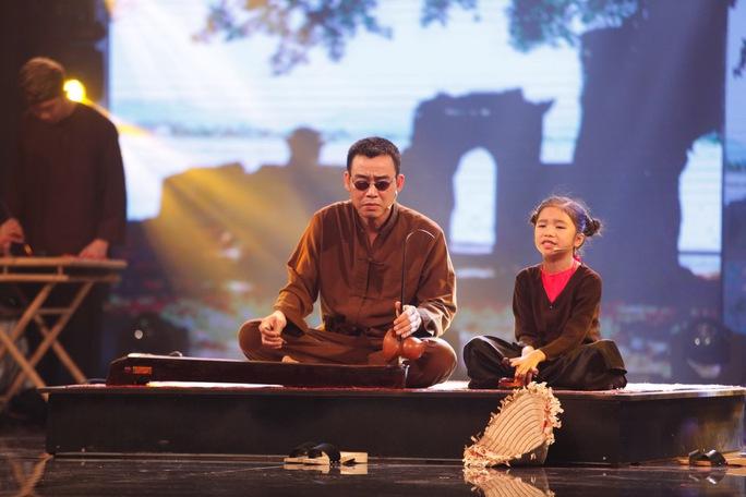 Cô bé hát xẩm Hương Giang sẽ trình diễn trong đêm chung kết 1 Ảnh: Ân Nguyễn