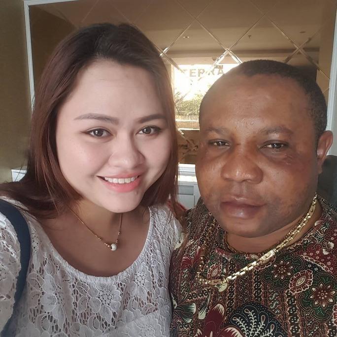 Huỳnh Hạ Bình và đối tượng cầm đầu Micheal IkeChukwu Leonard