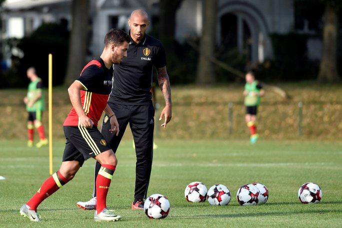 Theo dõi Eden Hazard tập luyện