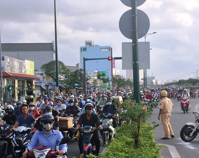 Vụ tai nạn khiến giao thông qua khu vực bị ùn ứ