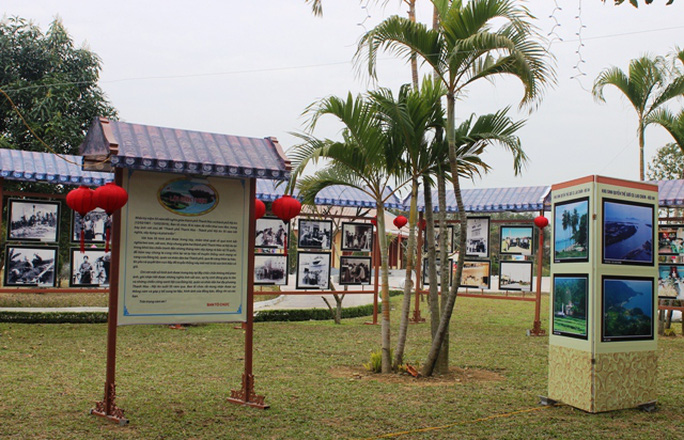 Khu vực trưng bày những hình ảnh suốt 55 năm kết nghĩa giữa hai địa phương