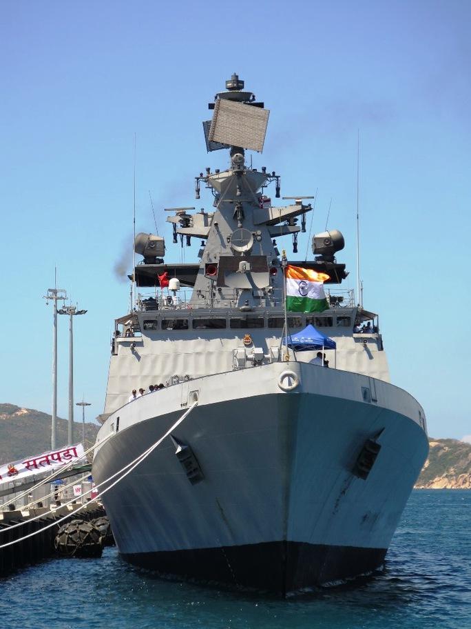 Khu trục hạm mang tên lửa hành trình BrahMos