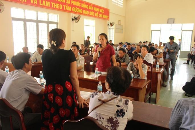 Người dân bức xúc kéo lên UBND xã Phước Đồng yêu cầu giải thích