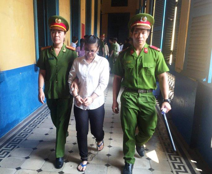 Bị cáo Trinh thoát án tử hình