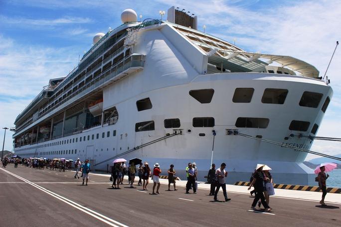 Cảng quốc tế Cam Ranh lần đầu tiên đón du thuyền quốc tế
