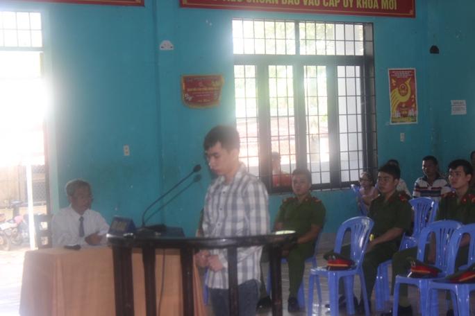 Bị cáo Nguyễn Ngọc Tân tại phiên tòa lưu động