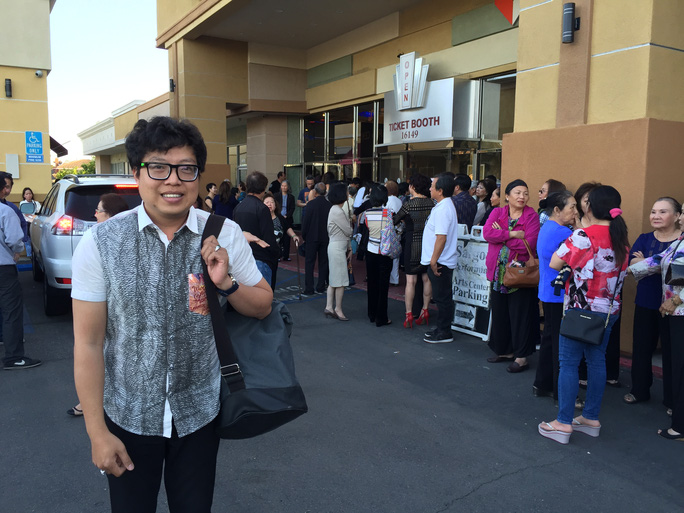 Đông đảo khán giả kiều bào đến xem kịch của NS Túy Hồng - những tác phẩm dựa theo văn học Việt Nam.