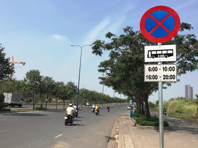Đường Mai Chí Thọ (quận 2) chính thức cấm ô tô trên 9 chỗ đậu, đón khách