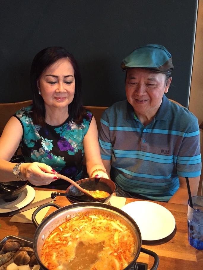 Bà xã nghệ sĩ Bảo Quốc chăm sóc sức khỏe cho ông bằng chế độ dinh dưỡng riêng