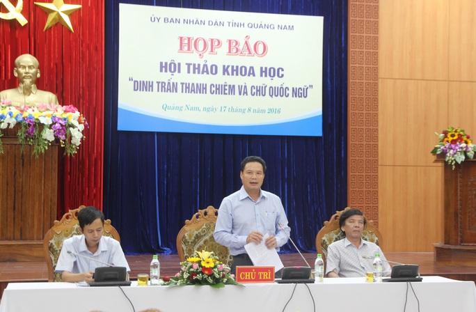 Ông Lê Văn Thanh, Phó chủ tịch UBND tỉnh Quảng Nam chủ trì buổi họp báo