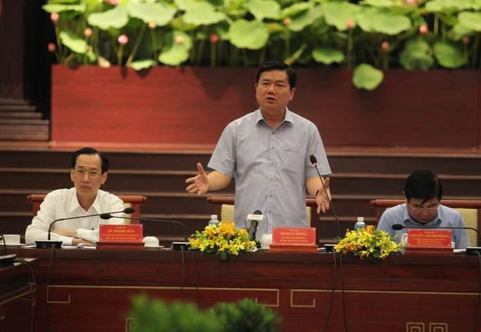 Bí thư Thành ủy TP HCM Đinh La Thăng phát biểu chỉ đạo hội nghị.