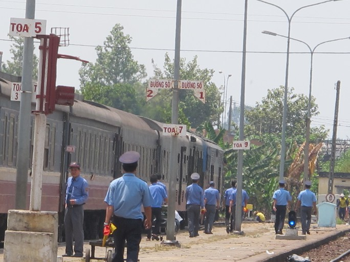 Ngành đường sắt nhanh chóng bố trí nhân lực để phục vụ công tác vận chuyển hành khách, hàng hóa