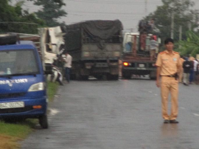 Hiện trường vụ 2 xe tải đâm nhau trực diện