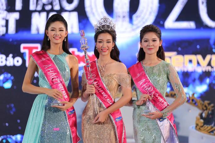 Đỗ Mỹ Linh hiện thực hóa giấc mơ hoa hậu của mình, sau lần thất bại tại cuộc thi Hoa hậu Hoàn vũ Việt Nam 2015.