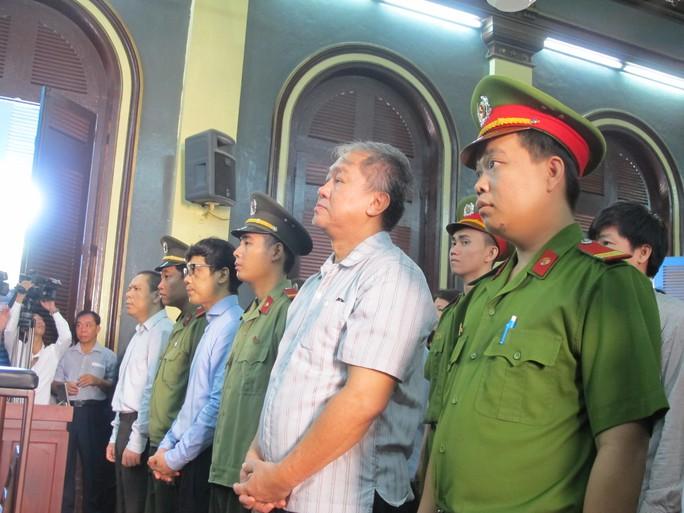 TAND TP HCM xét xử vụ án tiêu cực tại Ngân hàng Xây dựng Việt Nam