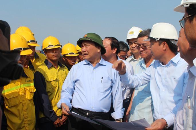 Phó thủ tướng chỉ đạo thúc đẩy nhanh khắc phục, xử lý sự cố sập cầu Ghềnh