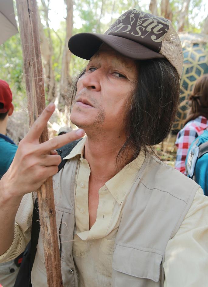 Và đây là Huy Khánh khi đã hóa trang xong