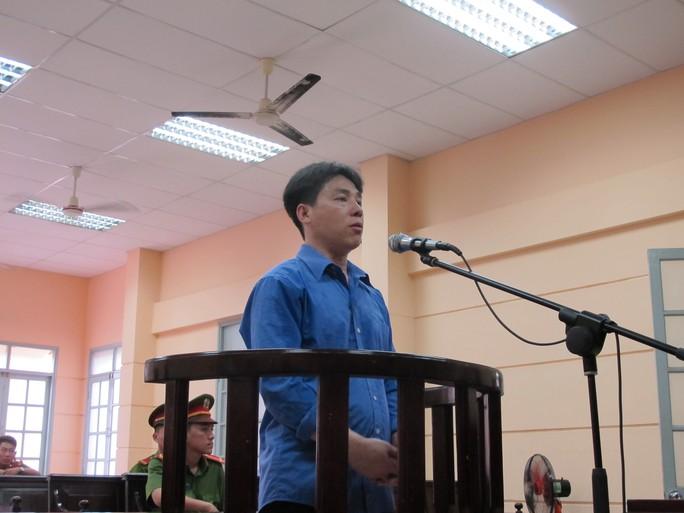 Đặng Văn Tuấn rất bình thản, lạnh lùng tại tòa