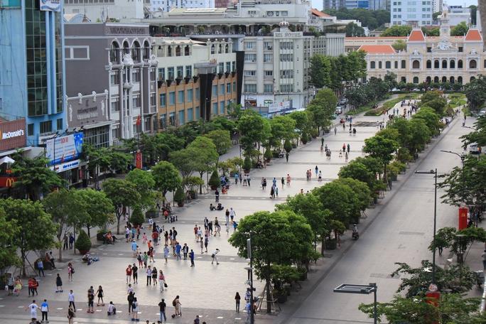 Phố đi bộ Nguyễn Huệ, quận 1 hiện đã được phủ wifi (Ảnh: Sỹ Đông)