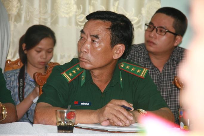 Ông Lê Trung Thịnh (trên) và Nguyễn Tấn Lạc là 2 trong số 4 người bị đình chỉ công tác