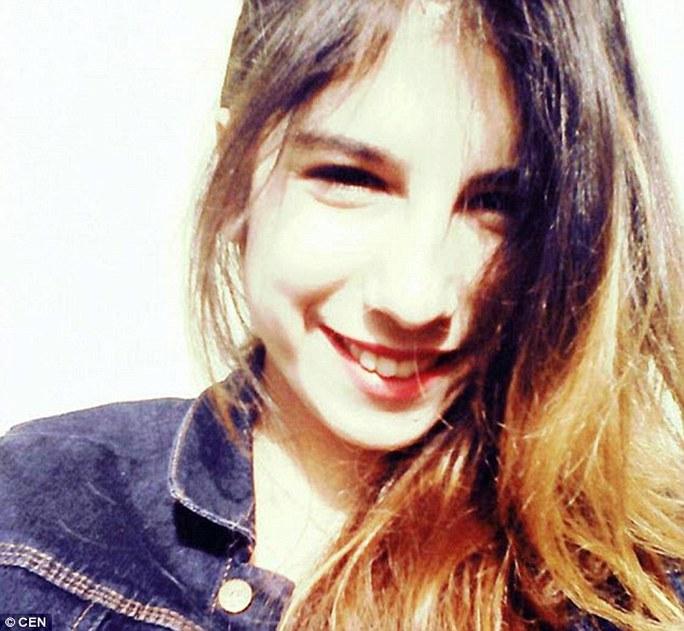 Cô gái xinh đẹp nhưng xấu số Gulay Bursali. Ảnh: CEN