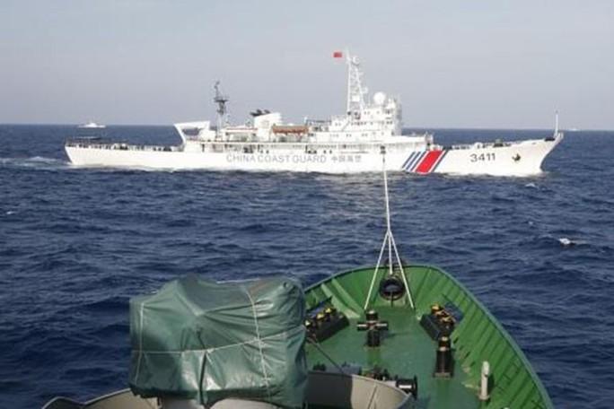 Tàu Trung Quốc hoạt động trên biển Đông Ảnh: MORNINGLEDGER.COM