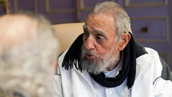 Cựu Chủ tịch Cuba Fidel Castro xuất hiện hiếm hoi trước công chúng. Ảnh: AAP