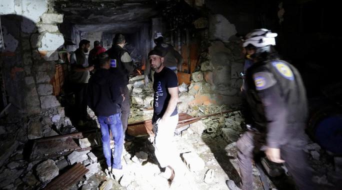 Hiện trường một vụ không kích ở Idlib, Syria. Ảnh: RT